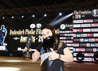{MSG DHOOM} Revered Saint Dr. MSG honoured with Dada Saheb Phalke Film Fondation' Award for the Most popular Actor, Director and Writer